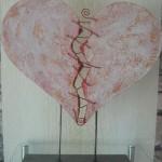 Zerbrochenes Herz rot